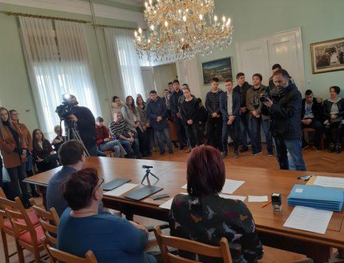 79 potpora učenicima i studentima Đakova
