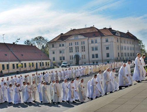 Euharistijsko slavlje s obnovom svećeničkih obećanja, podjelom svetih ulja i obilježavanjem svećeničkih jubileja