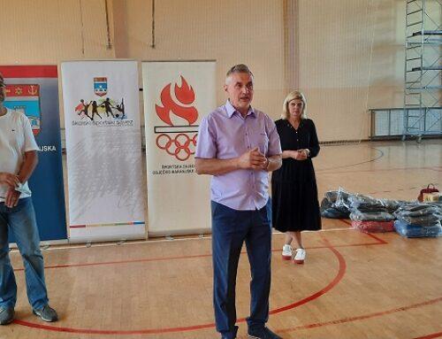 Dodjela sportske opreme za učenike i učitelje tjelesne i zdravstvene kulture